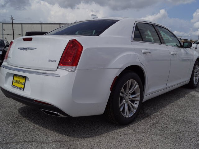 2018 chrysler 300c.  300c new 2018 chrysler 300 touring l to chrysler 300c